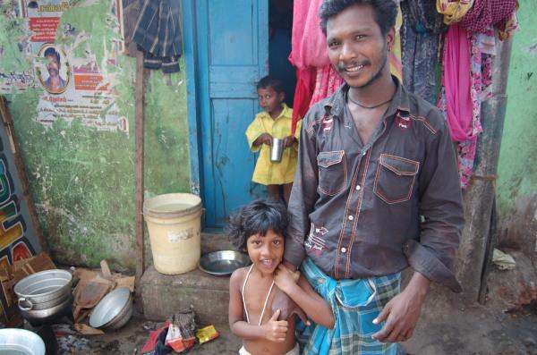 Rodina ze čtvrti Kalyana Puram, Čenaj (2009)